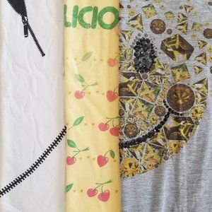 3 Graphic T-Shirts (S)